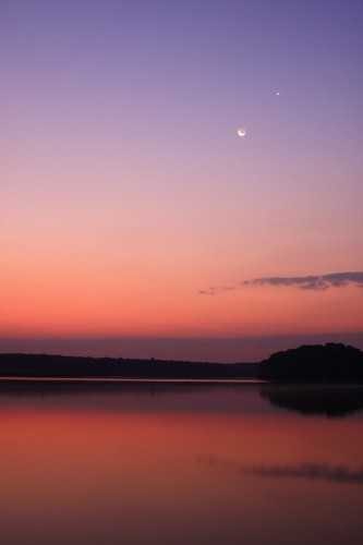 Moon, Venus and Mars before sunrise - Caldarusani